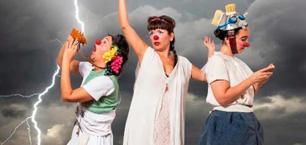 Domingo 7 de diciembre a las 21hs.- | Localidades $80.- Una tragedia clownesca Tres mujeres...